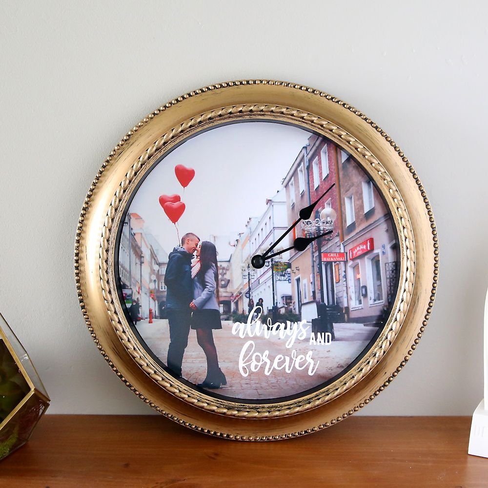 how to make a DIY personalized photo clock | Photo clock, Simple ...