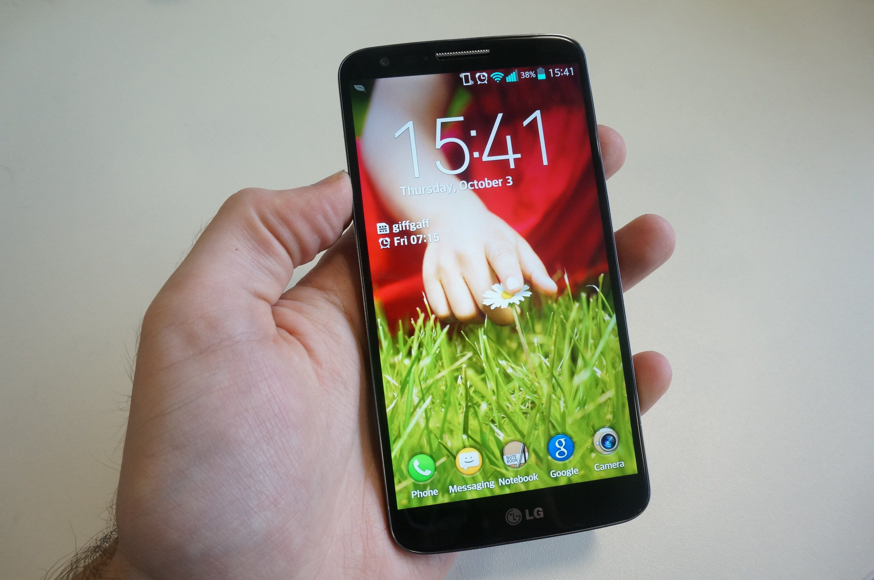 The LG G2 32GB Black is the South Korean pany attempt to pete in the fierce