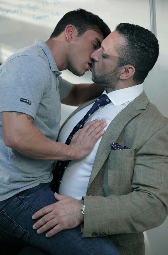 Porno photo Free gay gang bang gallery