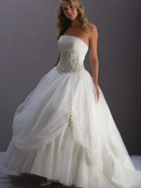 Resultado de imagen para vestidos de novia modernos con corset ...