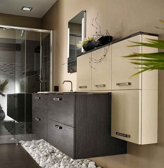 meuble de salle de bain beige et marron style moderne et zen au sol galet blanc et dans la. Black Bedroom Furniture Sets. Home Design Ideas