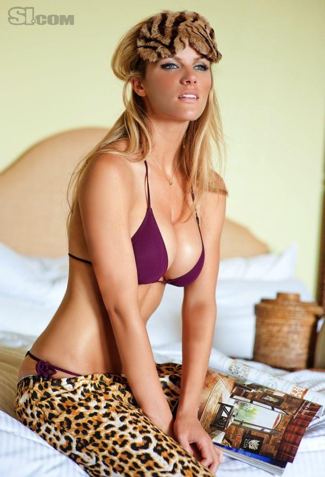 Brooklyn Decker Sports Illustrated Swimsuit 2011
