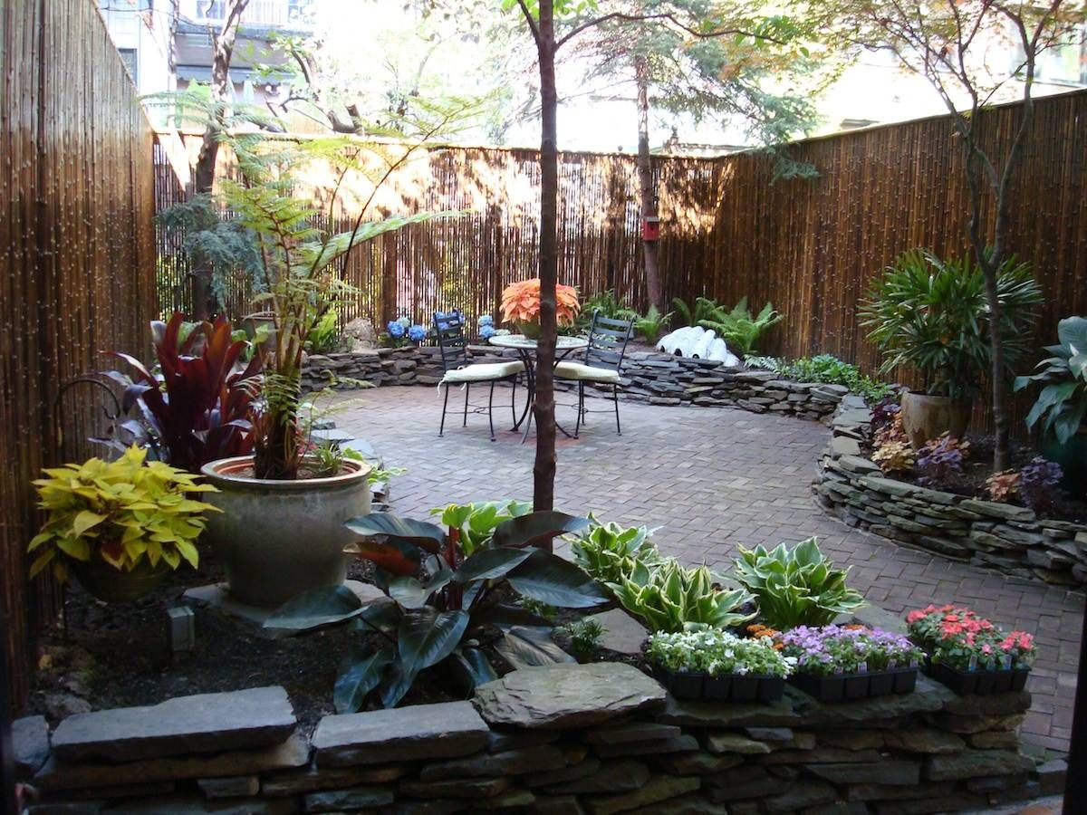 20 Awesome Small Backyard Ideas | Large backyard ... on Townhouse Patio Design Ideas id=93733