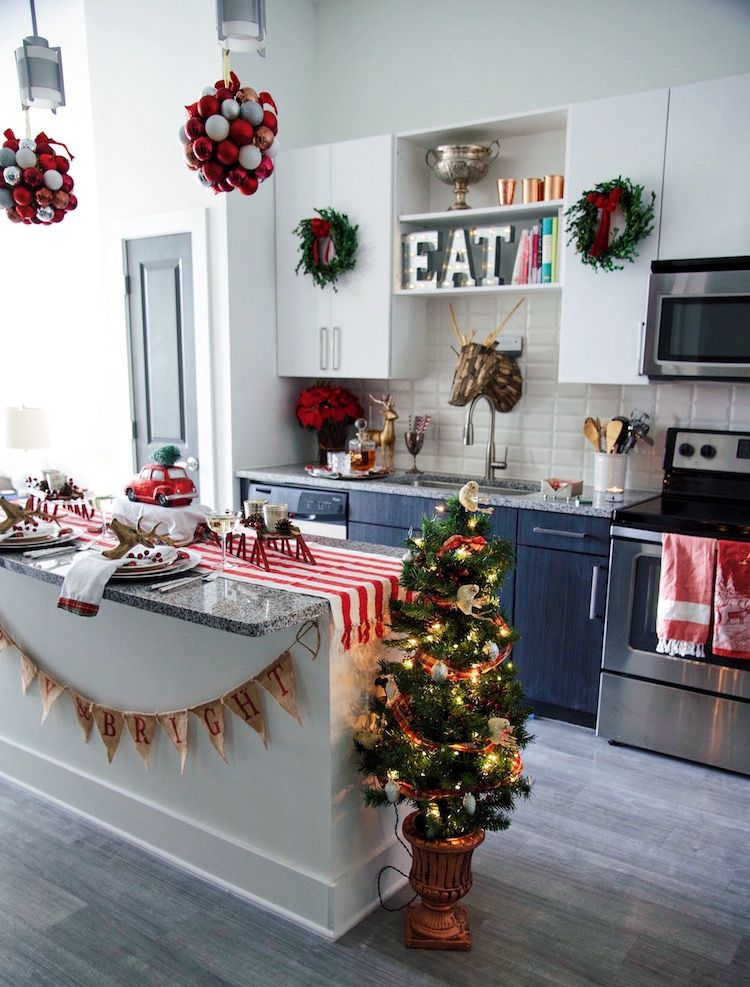 Small Space Holiday Decorating Ideas Christmas Apartment Christmas Kitchen Decor Christmas Decorations Apartment