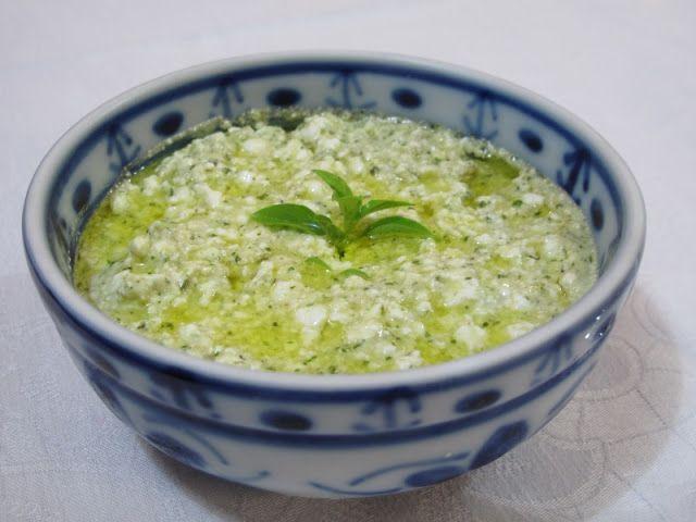 Receitas - From our home to yours - Português: Dip de queijo cottage e pesto de manjericão