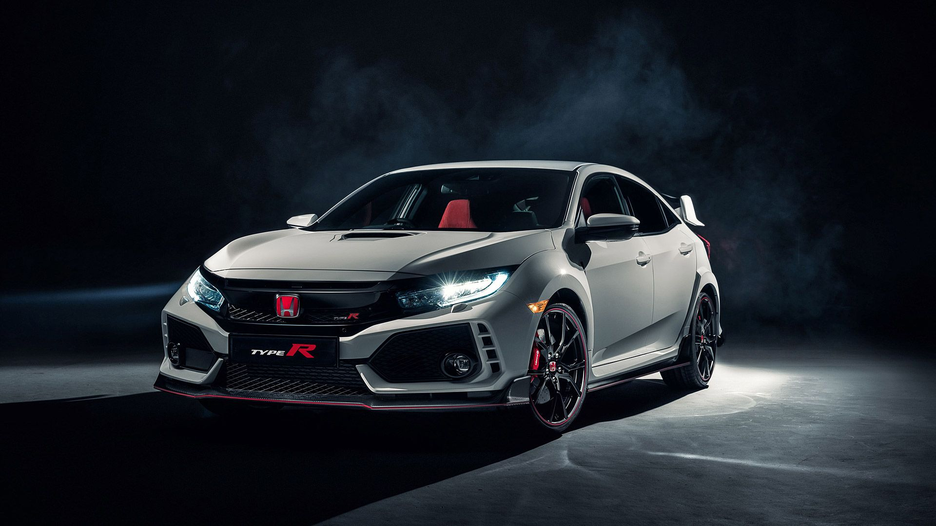 Staying true to the 2016 concept the brand new honda civic type r has been revealed at the 2017 geneva motor show