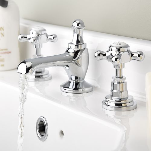A Close Up Of The Popular Wudumate M Tap In An East London Mosque The Tap Has Been Designed As A Sturdy Handle For Water Faucet London Mosque Bathroom Design