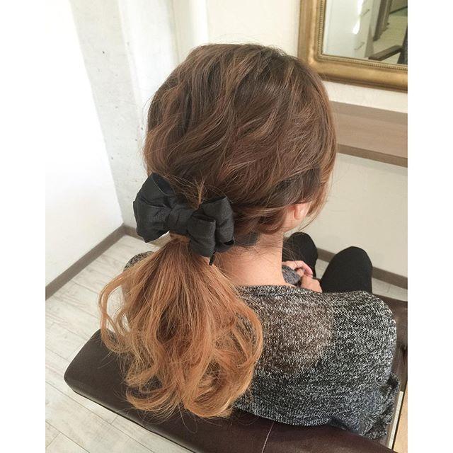 大人ガーリーなスタイルはこれで決まり リボンバレッタ で作るヘア