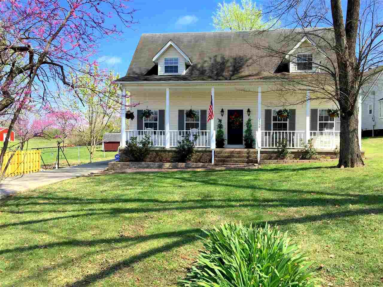 3 bd, 2 bath, 1.5 story home on North Main For Rent in