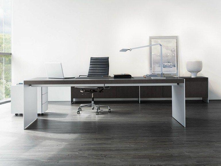 size executive desk by renz design jehs laub executive. Black Bedroom Furniture Sets. Home Design Ideas