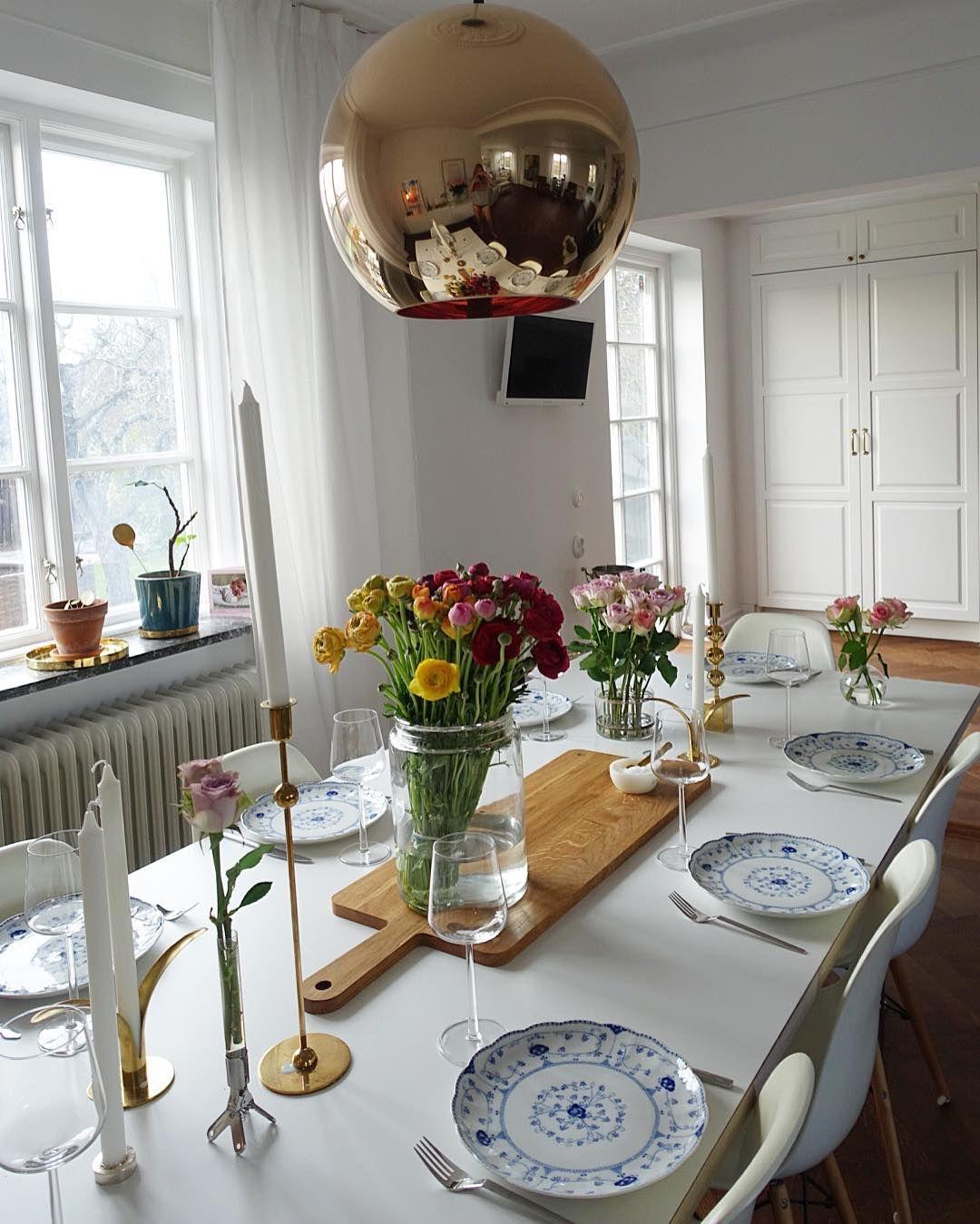 Har massa fina blommor hemma efter helgen i Köpenhamn  by bisse_