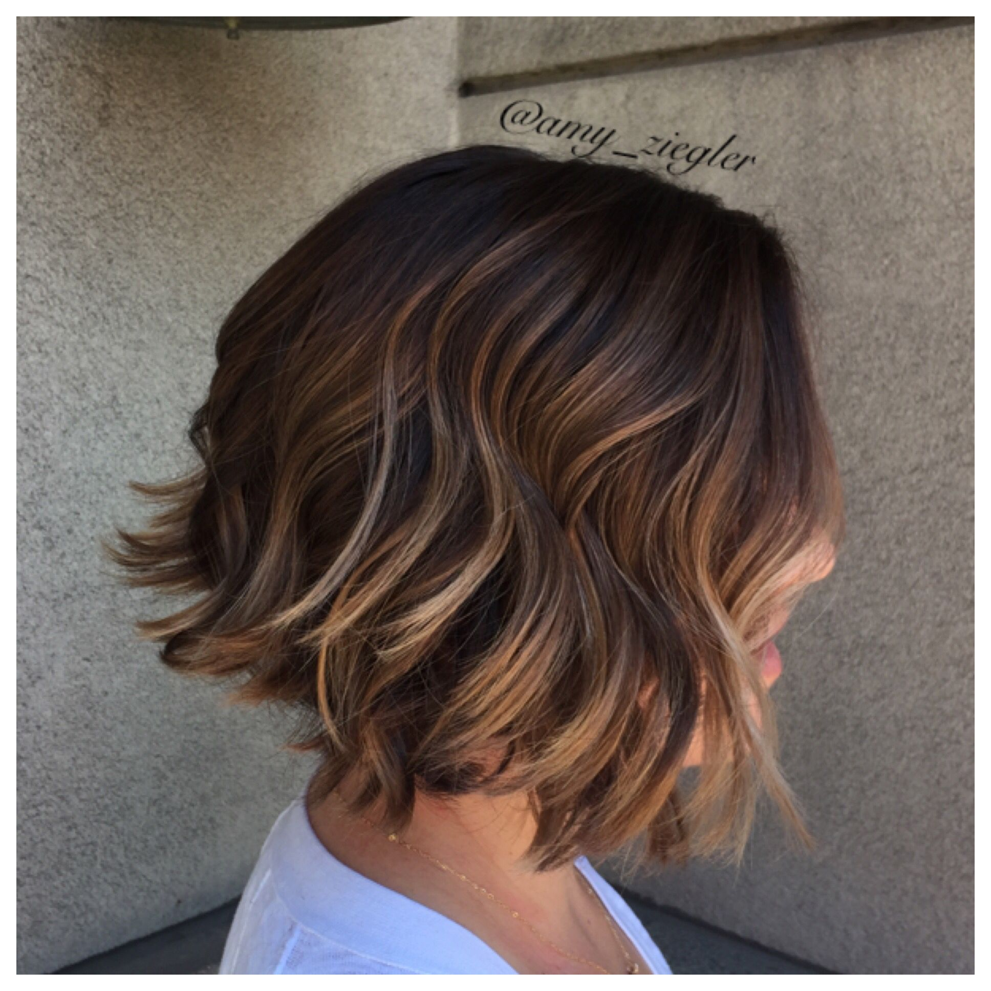 Short textured haircut and blonde balayage on brunette hair by @amy_ziegler
