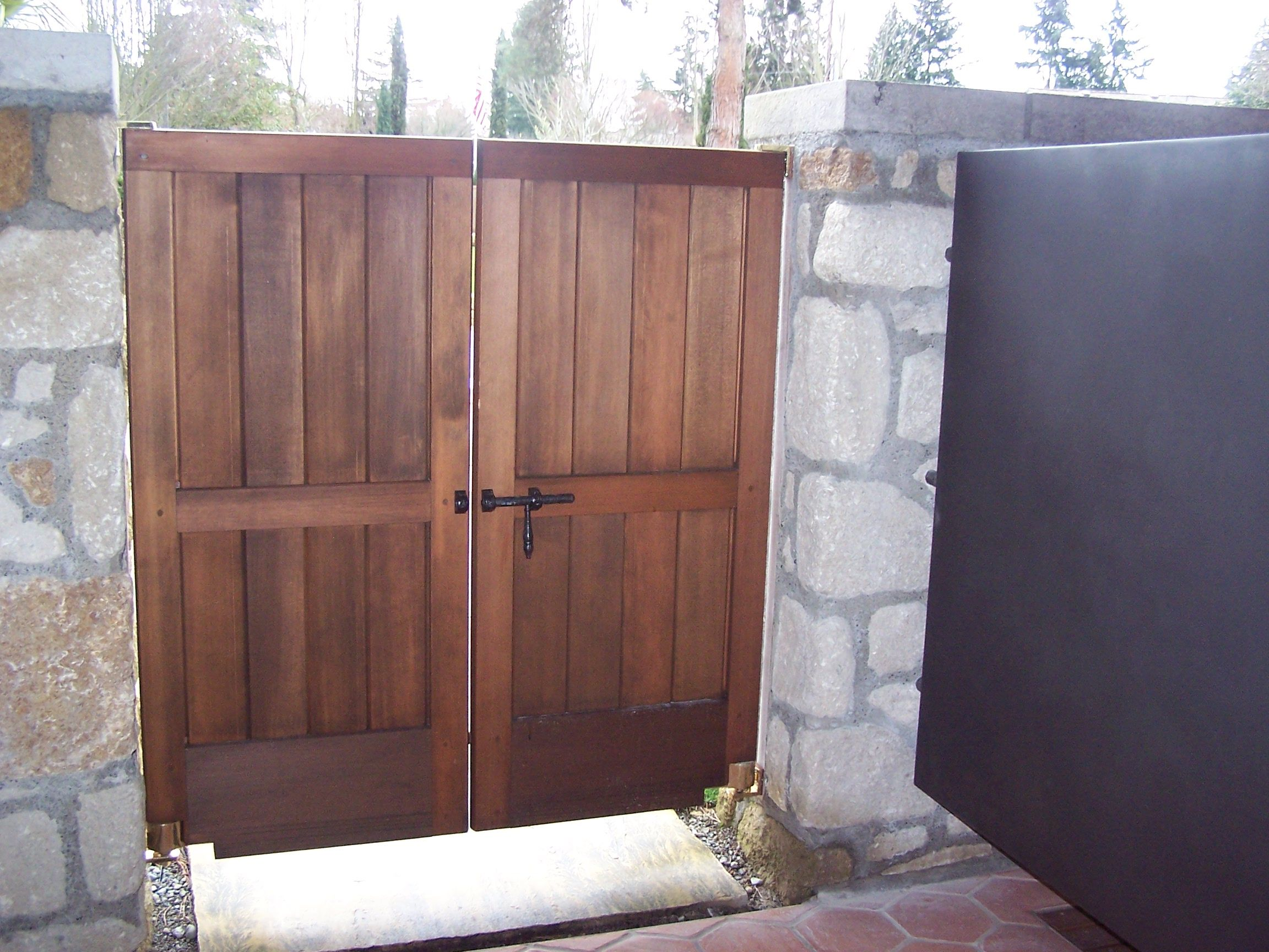 Double Gate Latches and Gate Latches for Double Gates | Yard Ideas