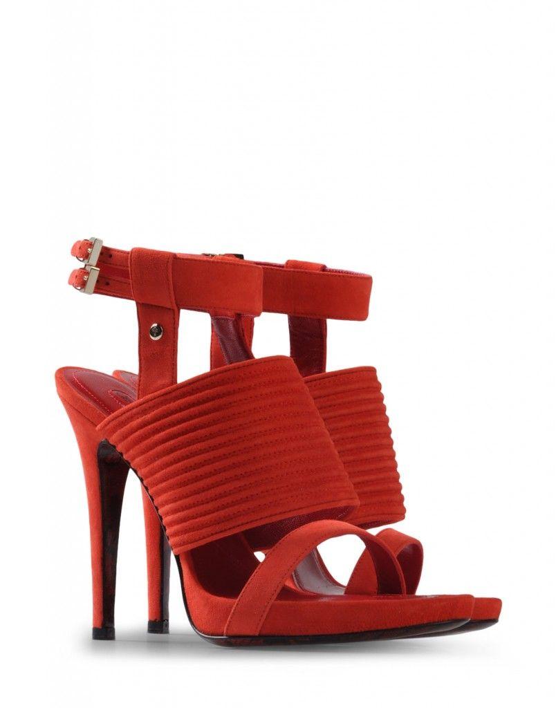 De nuevo tienen el color rojo como protagonista y que cuentan con un diseño muy original.