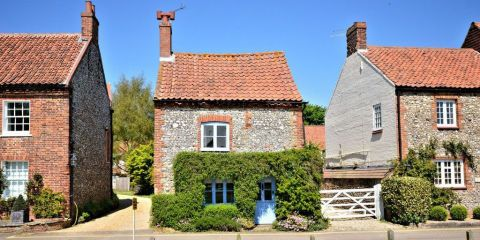 Why This Tiny Norfolk Cottage Is Worth Over Half A Million Pounds Norfolk Cottages Cottage Exterior English Cottage Interiors