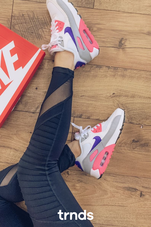 Nike Air Max 90 WhiteWolf GreyLaser PinkCourt Purple
