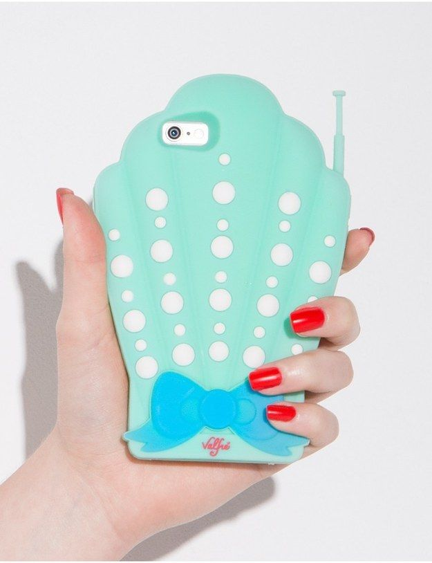 A case that'll protect your phone like an oyster protects a pearl. | 20 Gifts Every Wannabe Mermaid Needs To Ask For This Year