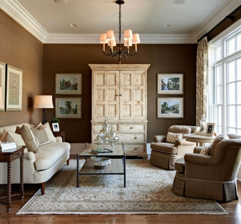 Wohnzimmer Im Landhausstil Wandfarbe Schokoladenbraun Weisse Decke