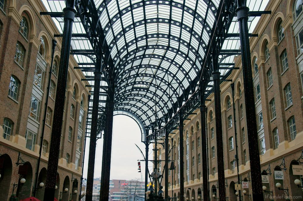 Hay's Galleria shopping centre, London