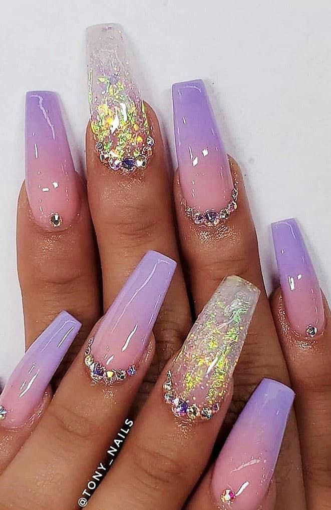to our 2019 summer gallery of glamorous acrylic coffin nails. We are sure that you will find a few designs that will get your appreciation in our nail gallery, which features popular designs such as butterflies, roses and gold. In addition to bright and polished shades, you can also find special nail colors such as matte.