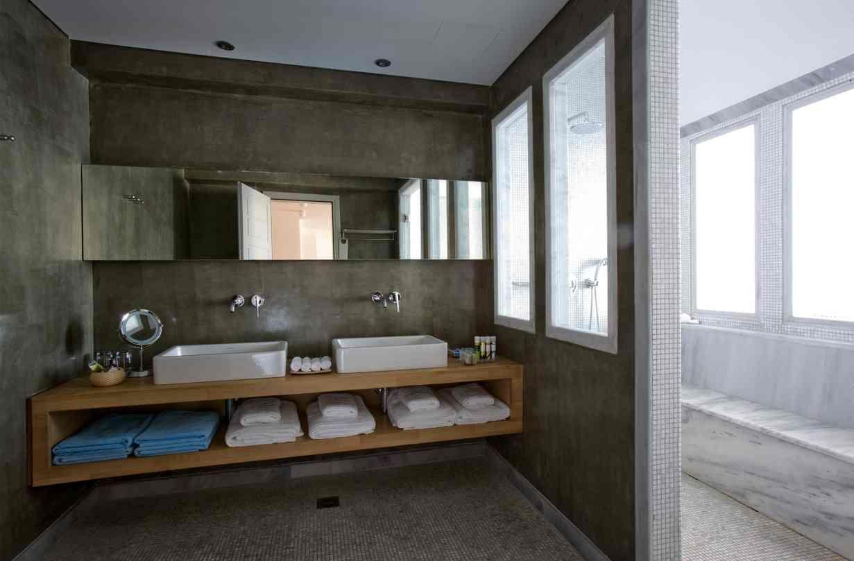 Afbeeldingsresultaat voor badkamer plank wastafel ligbad   Bathrooms ...