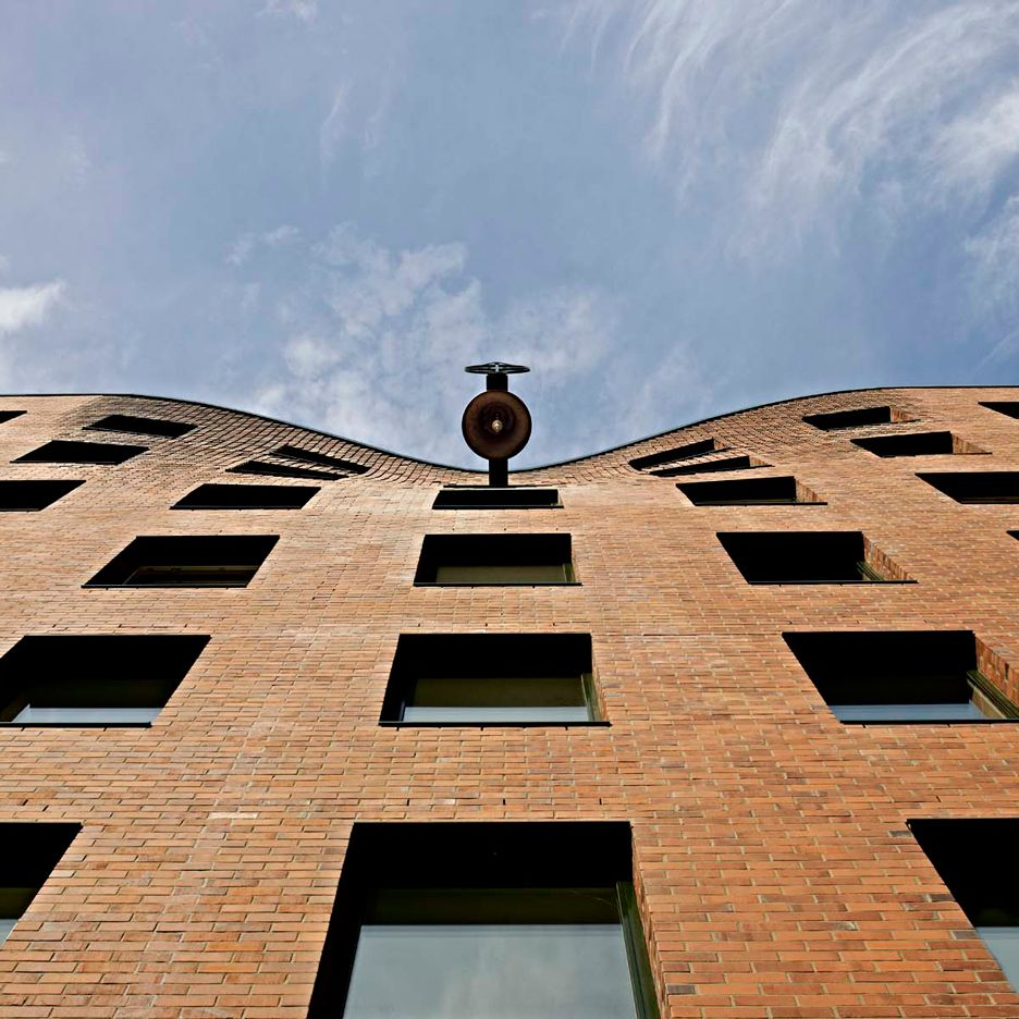 Wandel Lorch Completes Chapel With Bulging Brickwork In Hamburg Docklands Brick Architecture Lorch Facade