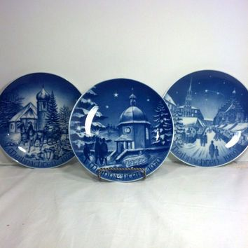 3 Bavarian China Christmas Plates Collectible Blue and White Porcelain Plates made in Germany Vintage Christmas Decor Gift Idea & Vintage Christmas Plates from Germany - Collectible 8\