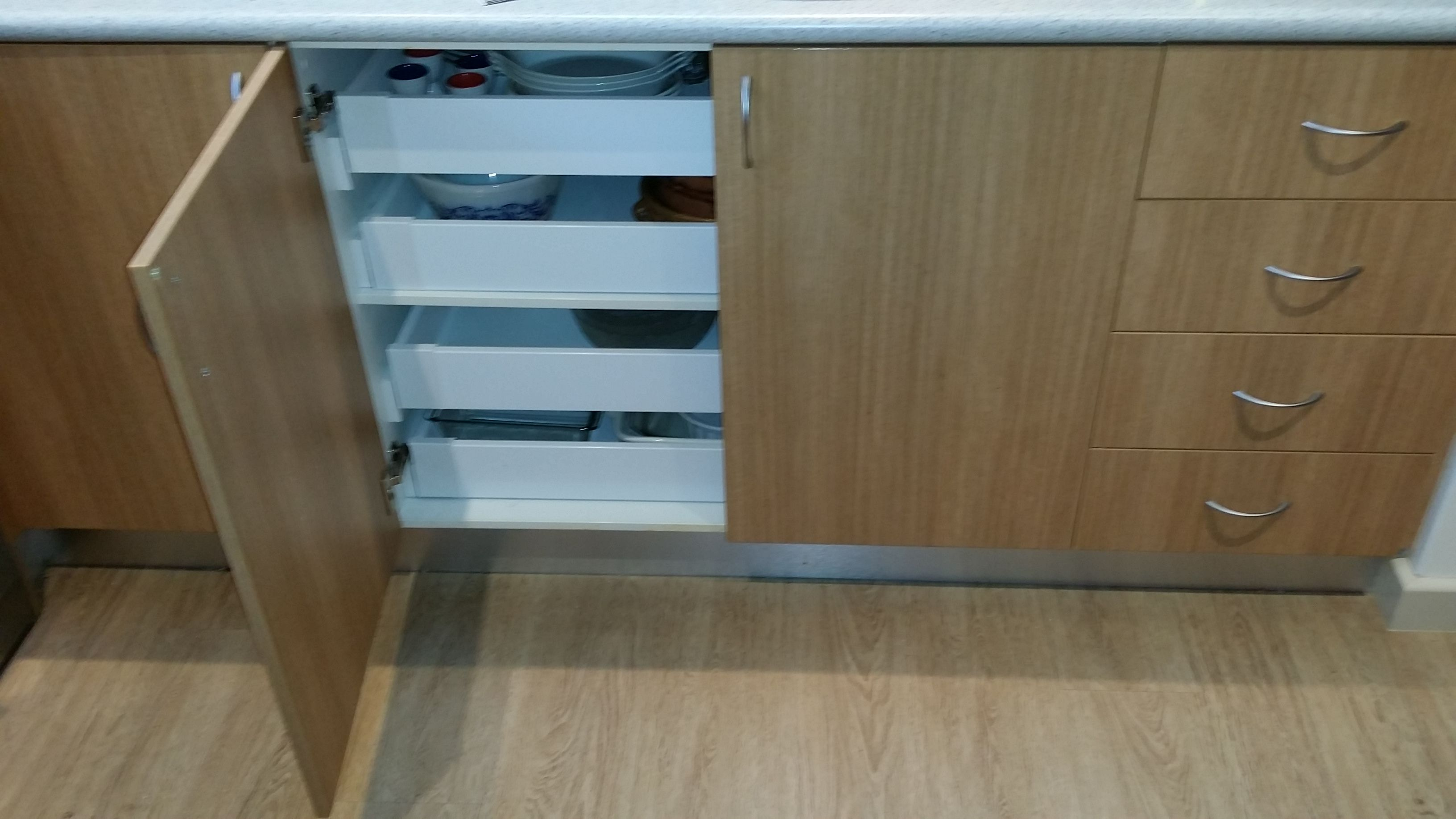 Best Internal Drawers Behind The Doors Are The Perfect Food And 400 x 300