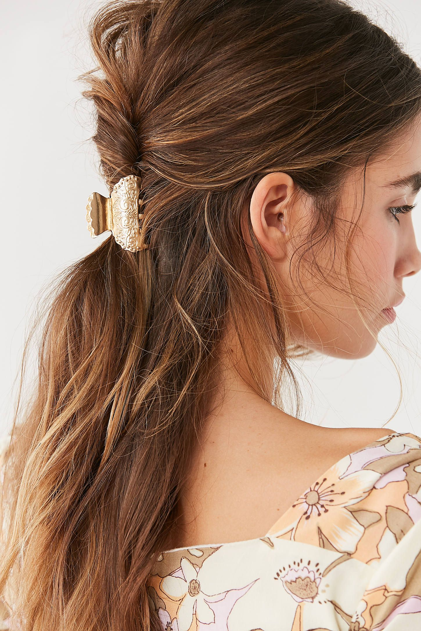 11+ Hairstyles with claw clips trends