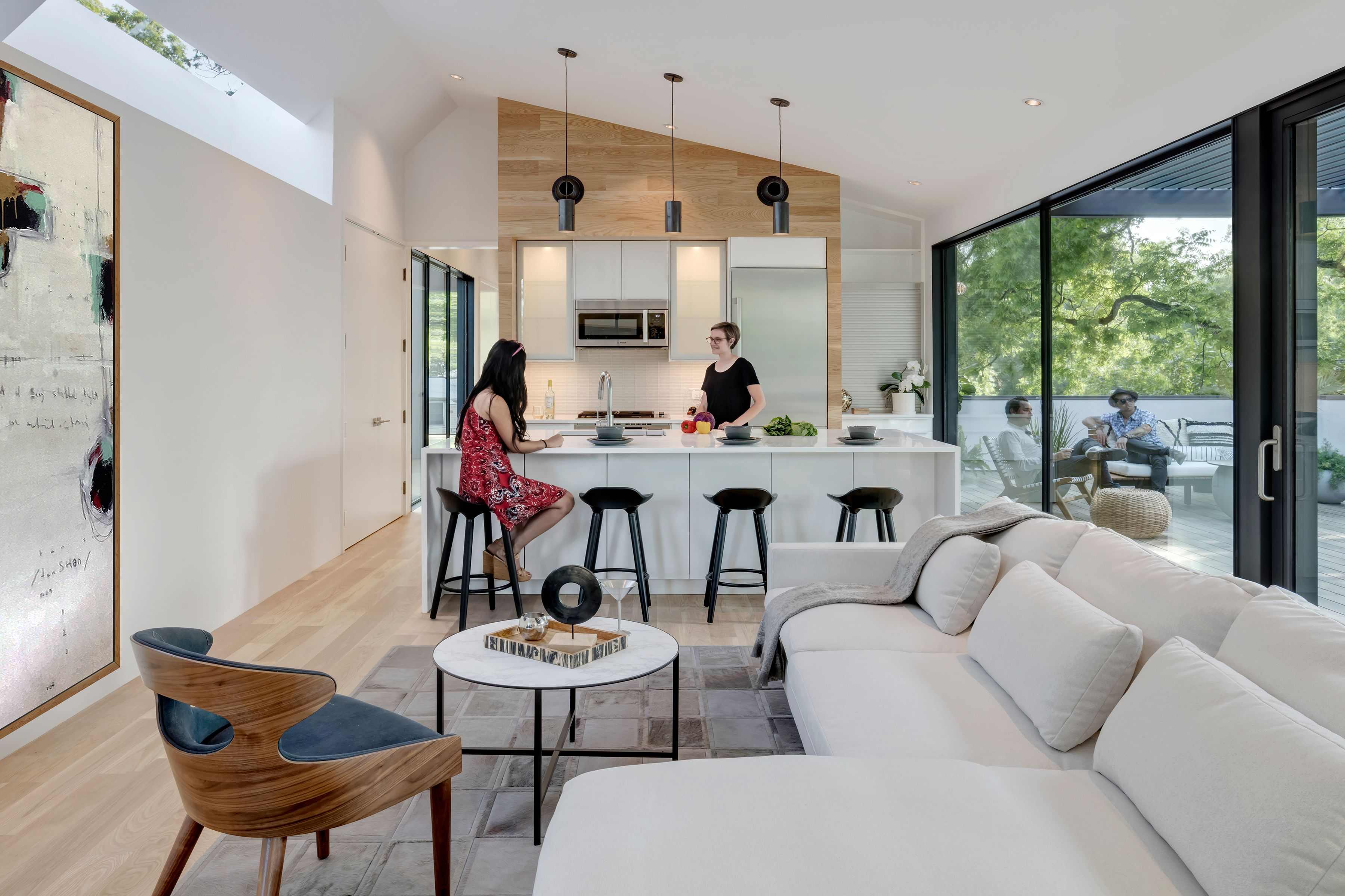 Photo 11 of 21 in This Austin Home Was Designed to Showcase a ...