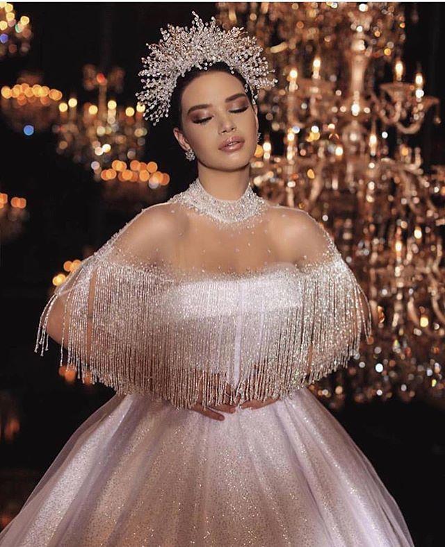 Bu sezon gelinlikler de ışıldıyor. #bride #bridal #fiestade15años