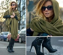 Pola D. - Suede Knee Boots, Army Green Cape - Army Green
