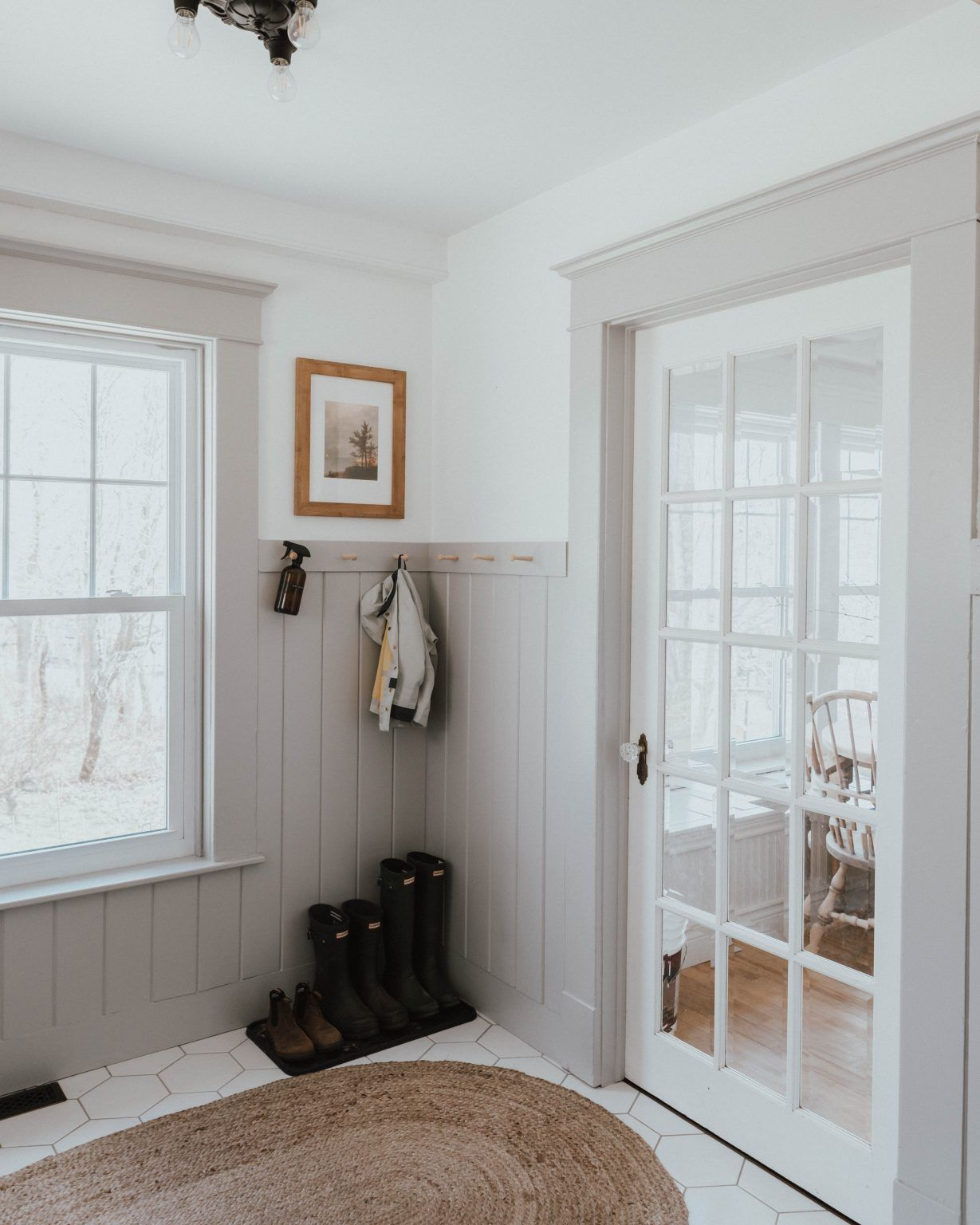 Our Traditional Farmhouse Laundry and Mud Room - The Wild Decoelis