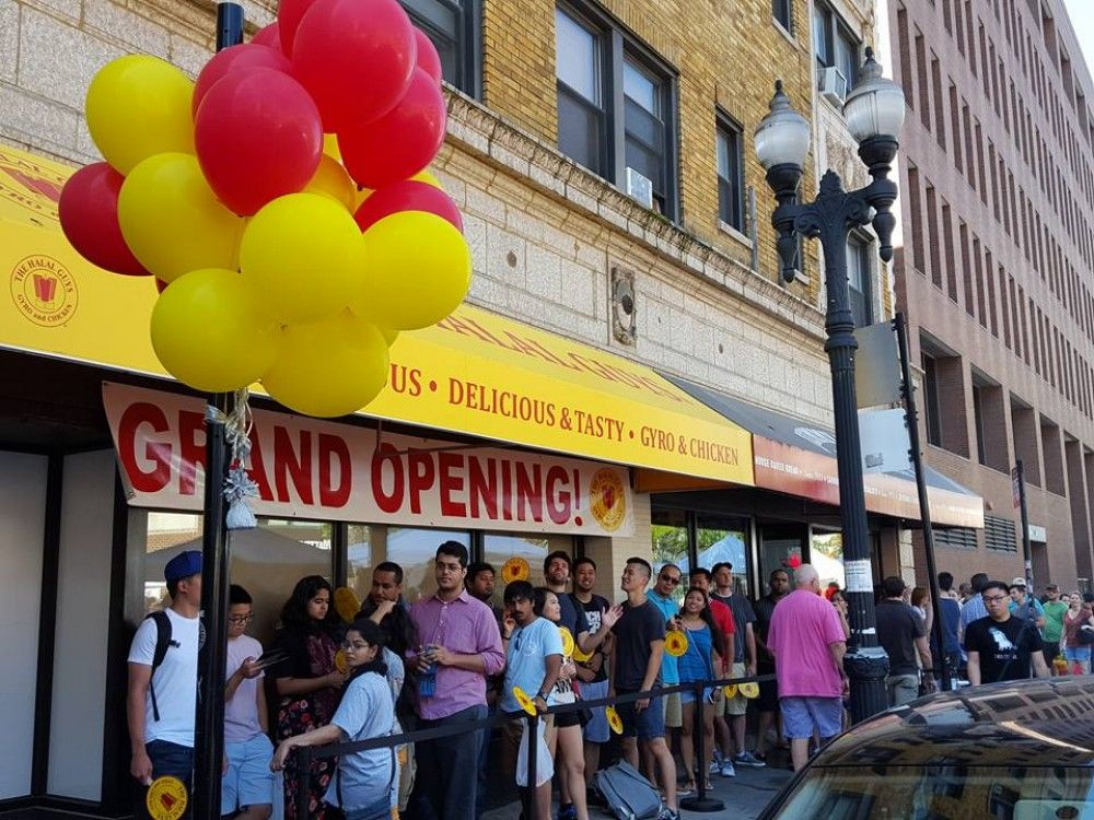 The Halal Guys Near North Side Chicago Il Chicago Food Halal Chicago