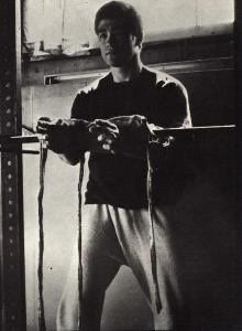 Bruce Lee Back isometrics - Bing Images | The Great Bruce Lee