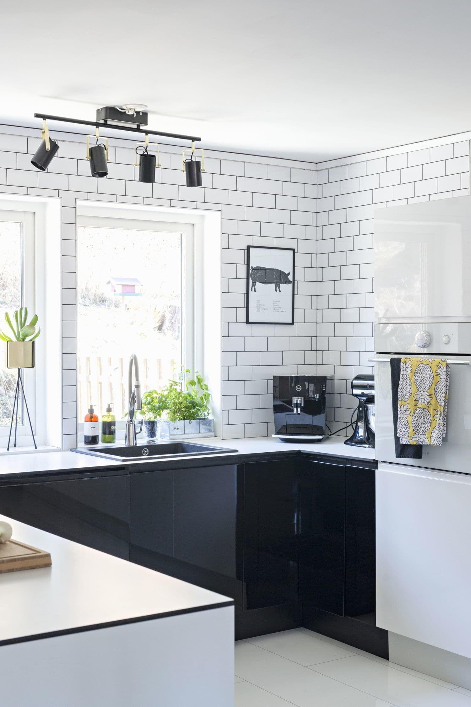 Piastrelle bianche e nere good cucine nere ikea with piastrelle bianche e nere piastrelle - Piastrelle cucina bianche ...