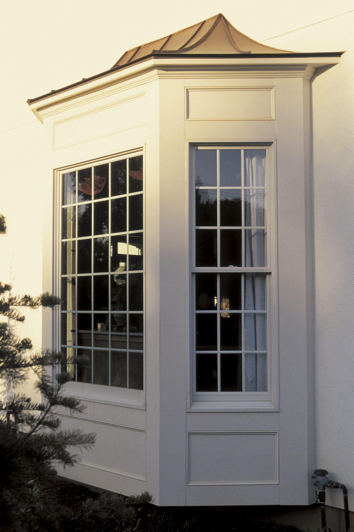 How To Repair A Bay Window Ehow Bay Window Exterior Bow Window Bay Window