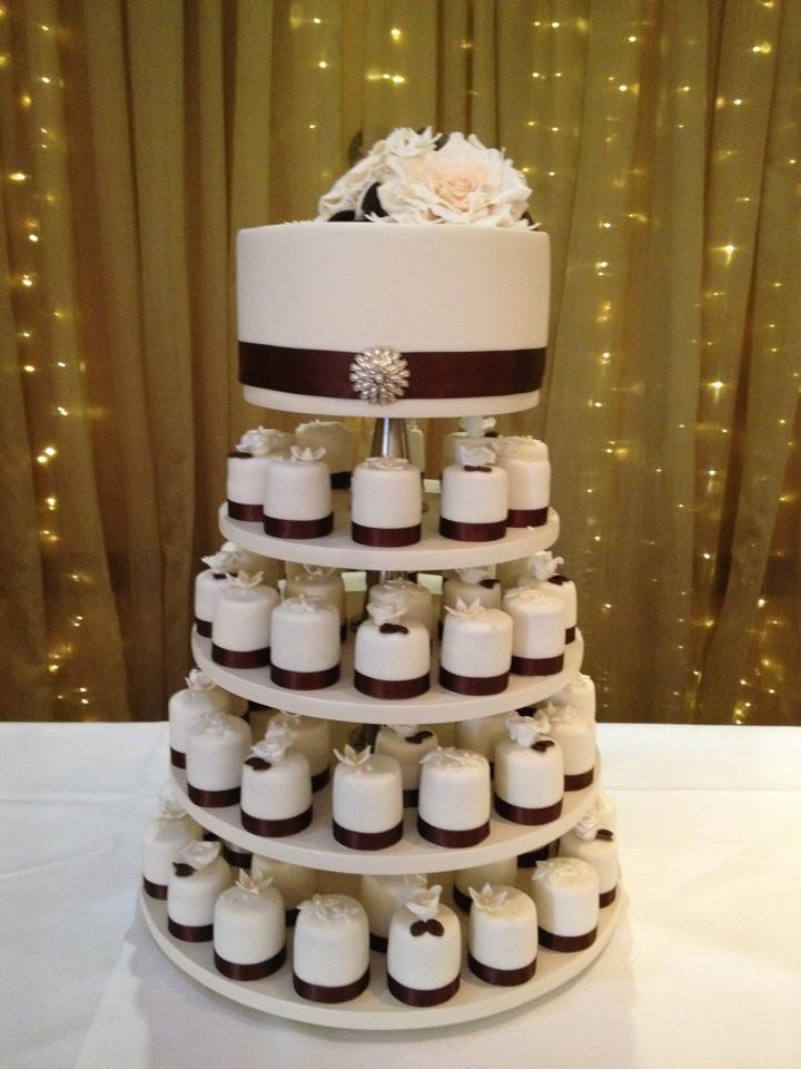 1 Tier Wedding Cake And 70 Individual Mini Cakes Facebook Jmcrumbs