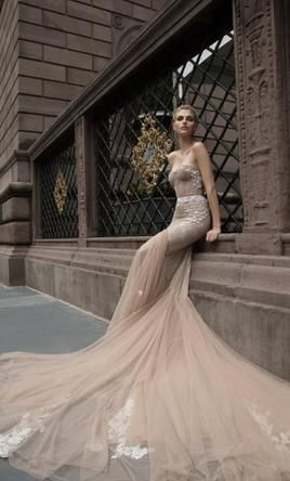 Inbal Dror 16-05 8: buy this dress for a fraction of the salon price on PreOwnedWeddingDresses.com
