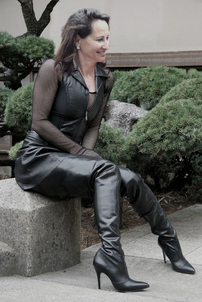 Mature sexy leather boots