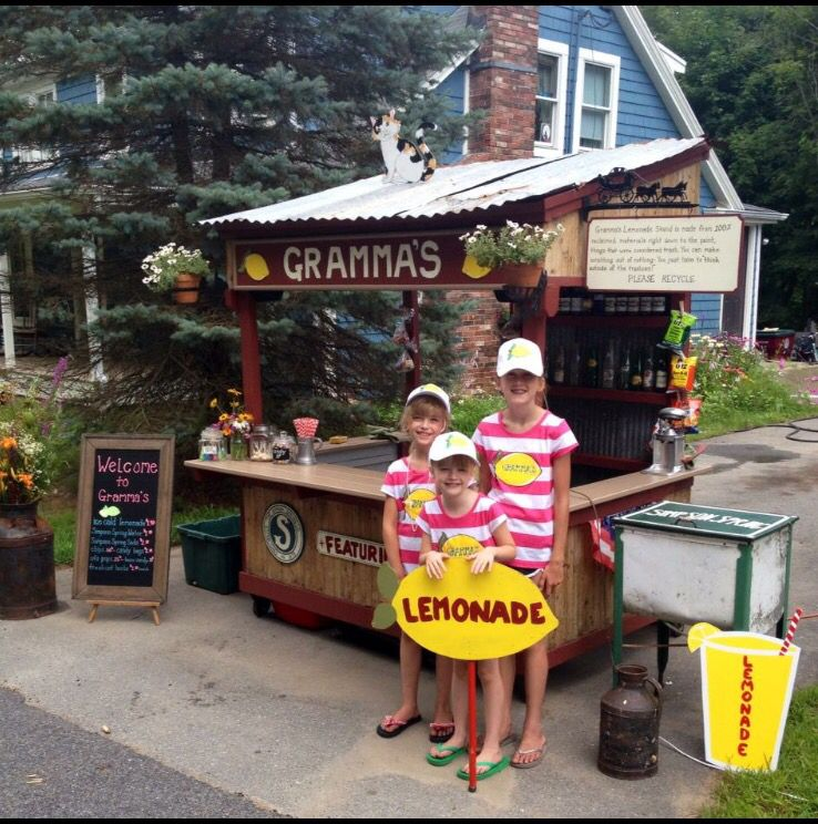 GRAMMA'S Lemonade made by myself and my husband completely out of reclaimed materials. #lemonadestand #diylemonadestand