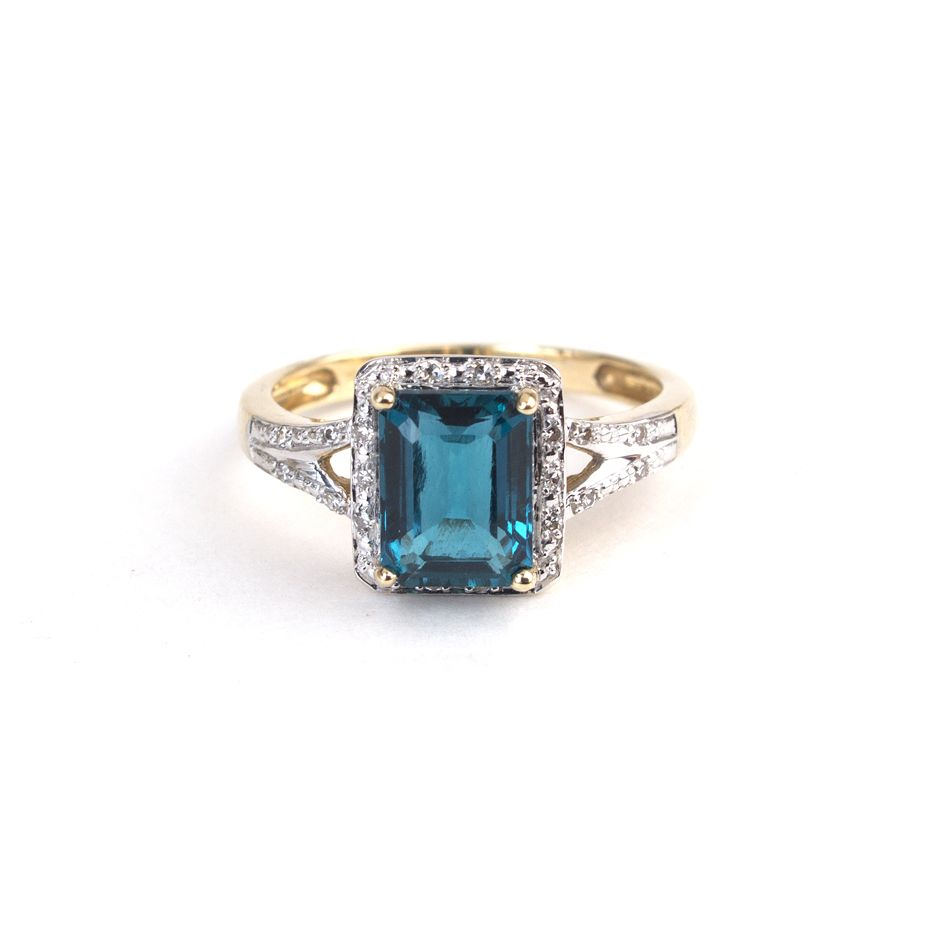 9ct Yellow Gold ring with created emerald and white diamonds www ...