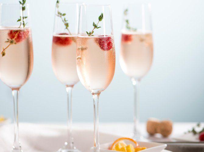 Leckeres Cocktail-Update: Hugo Rosé   freundin.de