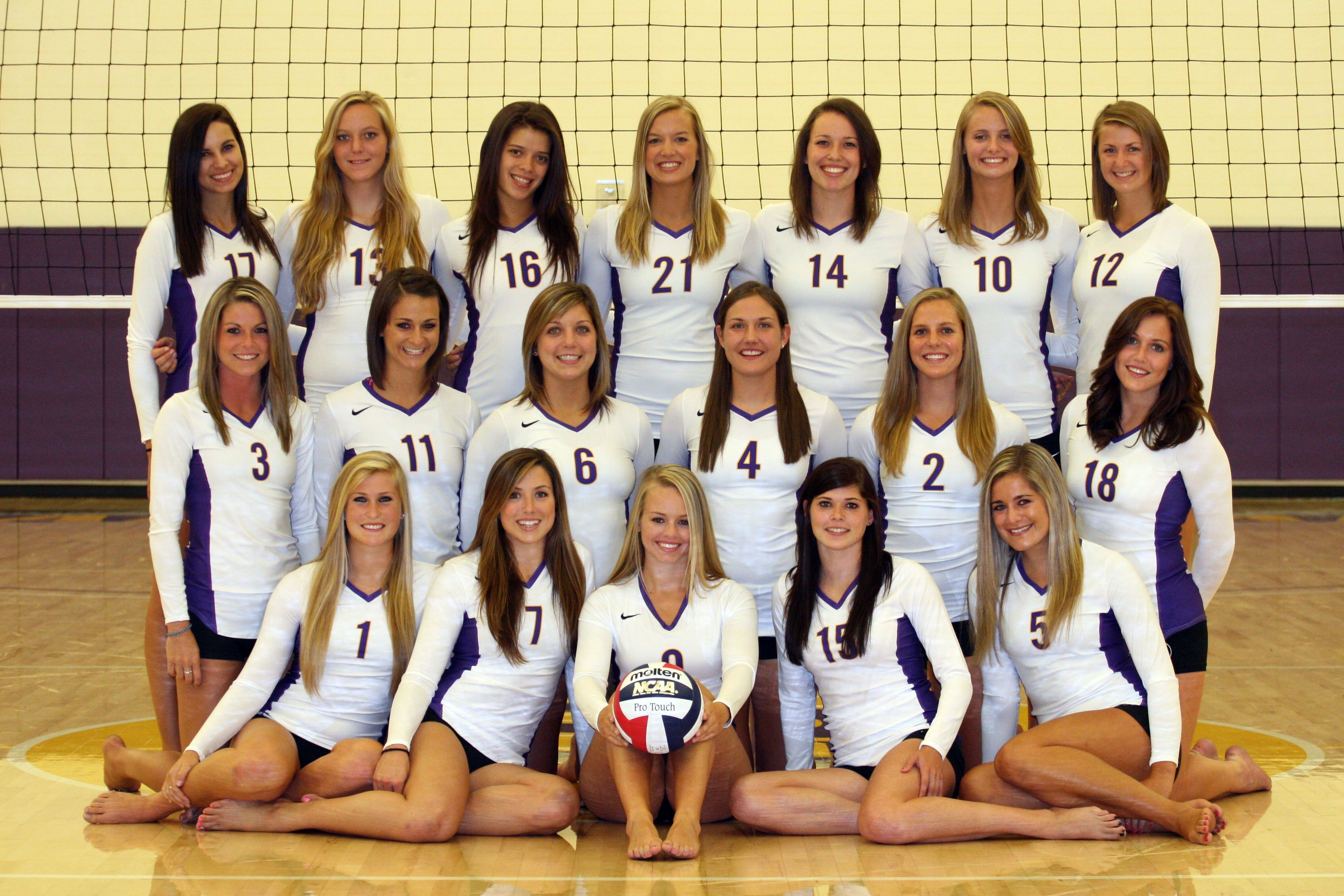Cal Lutheran Volleyball 2010 Season Preview Volleyball Photography Volleyball Poses Volleyball Team Photos
