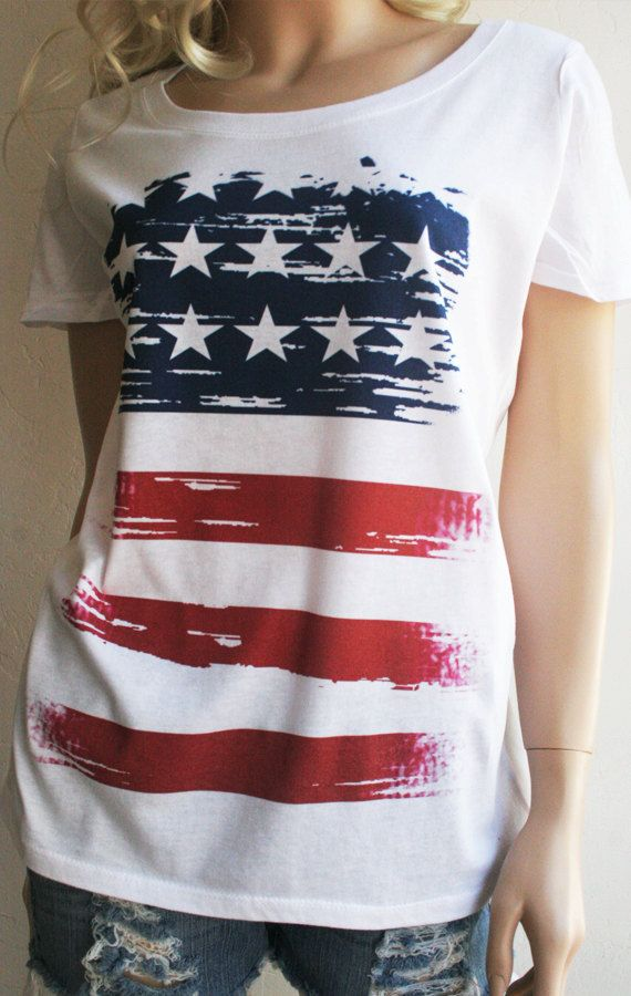 Women/'s Juniors Patriotic T-Shirt USA Flag Pride w// Love Heart Red White Blue