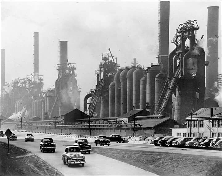 I was already posting this image some years ago, but come one - this is Clyde Hare and his famous photographs showing Jones & Laughlin's Pittsburgh Northside works. This must be reposted over and over, these pictures are immortal!   #pittsburgh #immortal #industrial #photography