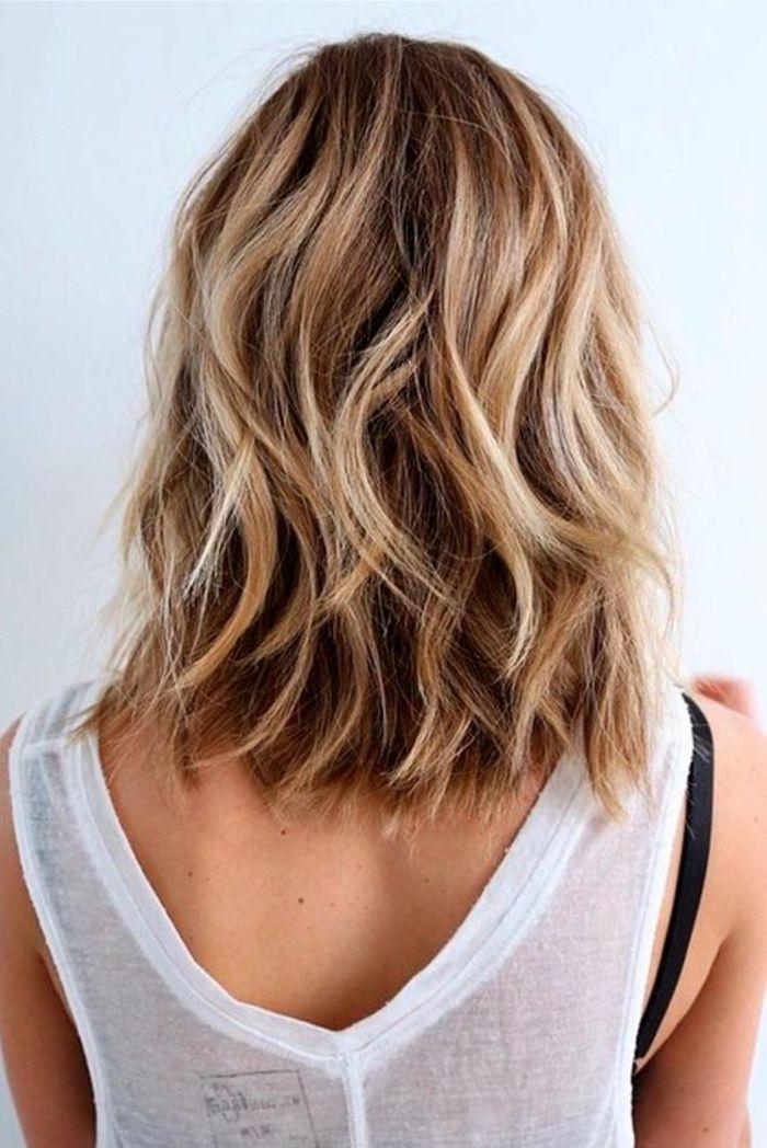 coiffure femmes longueur jusqu\u0027aux épaules ondulante look qui souligne la  beauté des cheveux