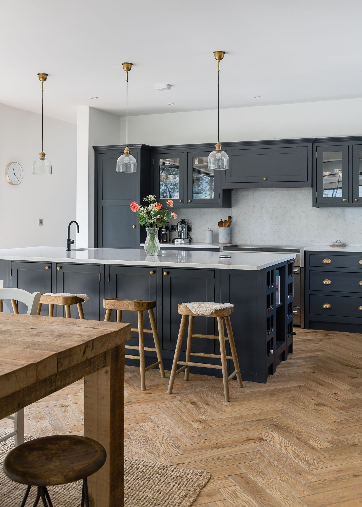 Pin By The Shaker Workshop Ltd On Dark Kitchens In 2020
