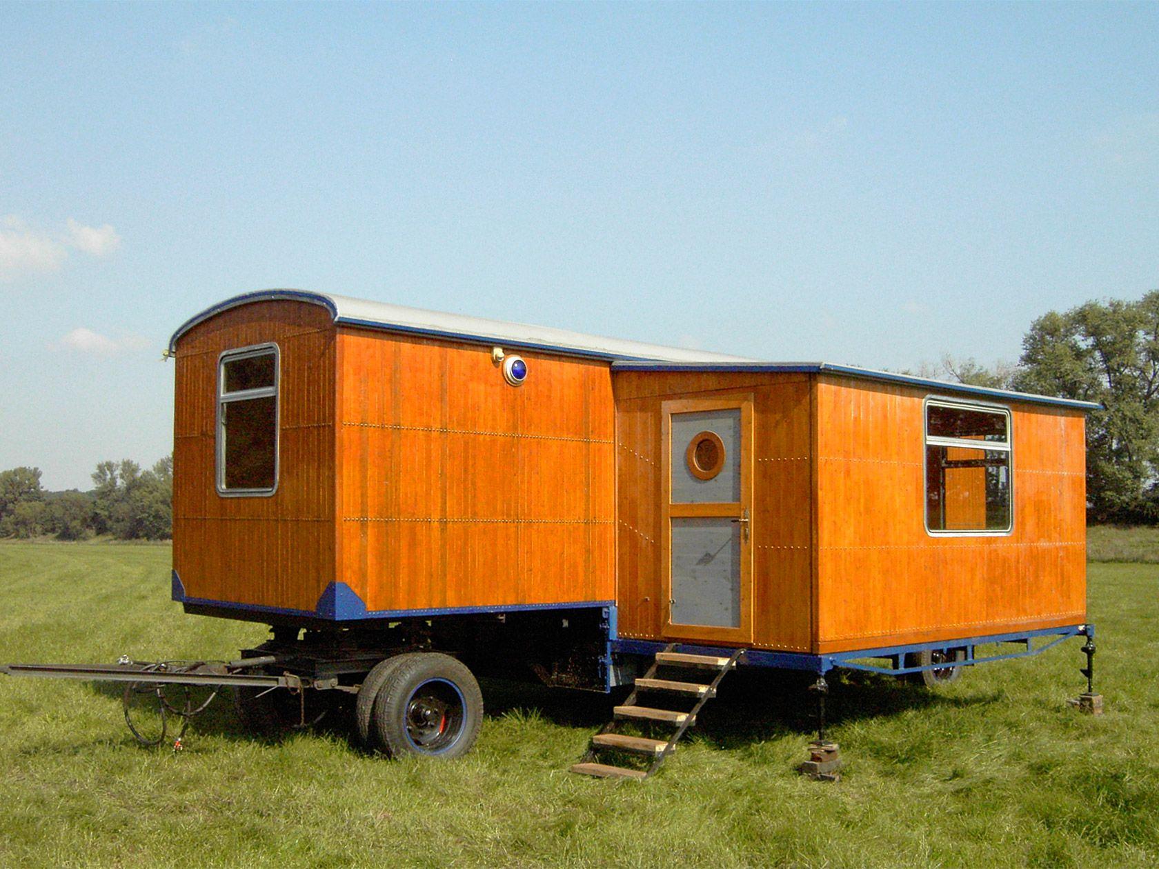 bauwagen mit runddach zirkuswagen manufaktur bauwagen house tiny house und building a house. Black Bedroom Furniture Sets. Home Design Ideas