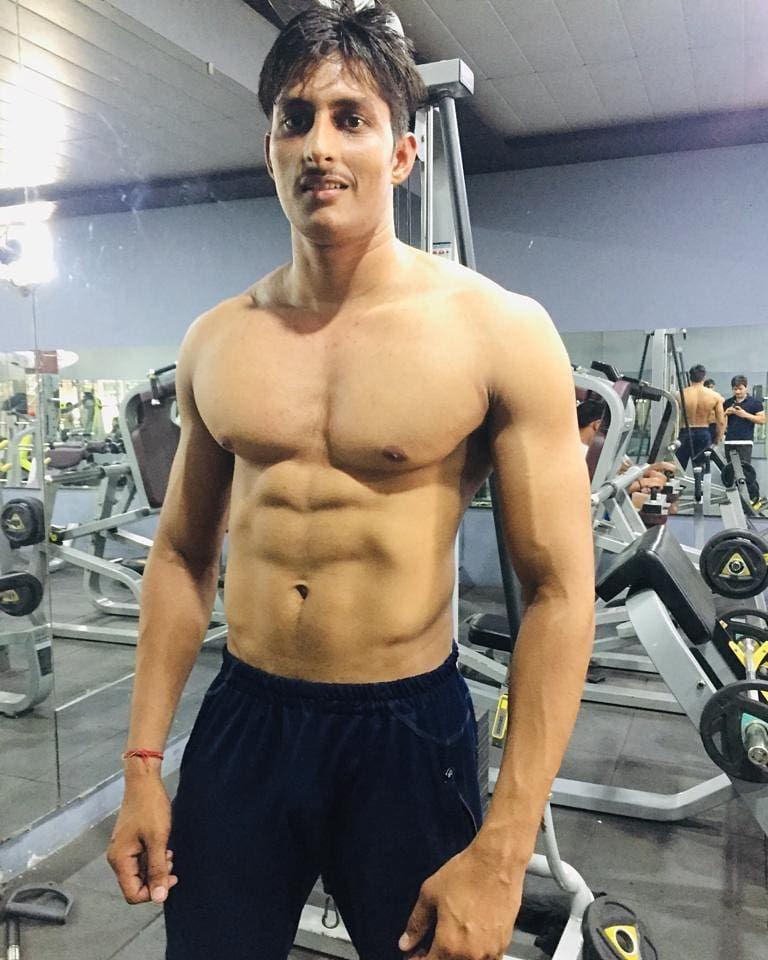 Gym is my life😎 . . . . .  #gym #gymmotivation #bodybuilding #fitnessmotivation #fitness #model #fit...